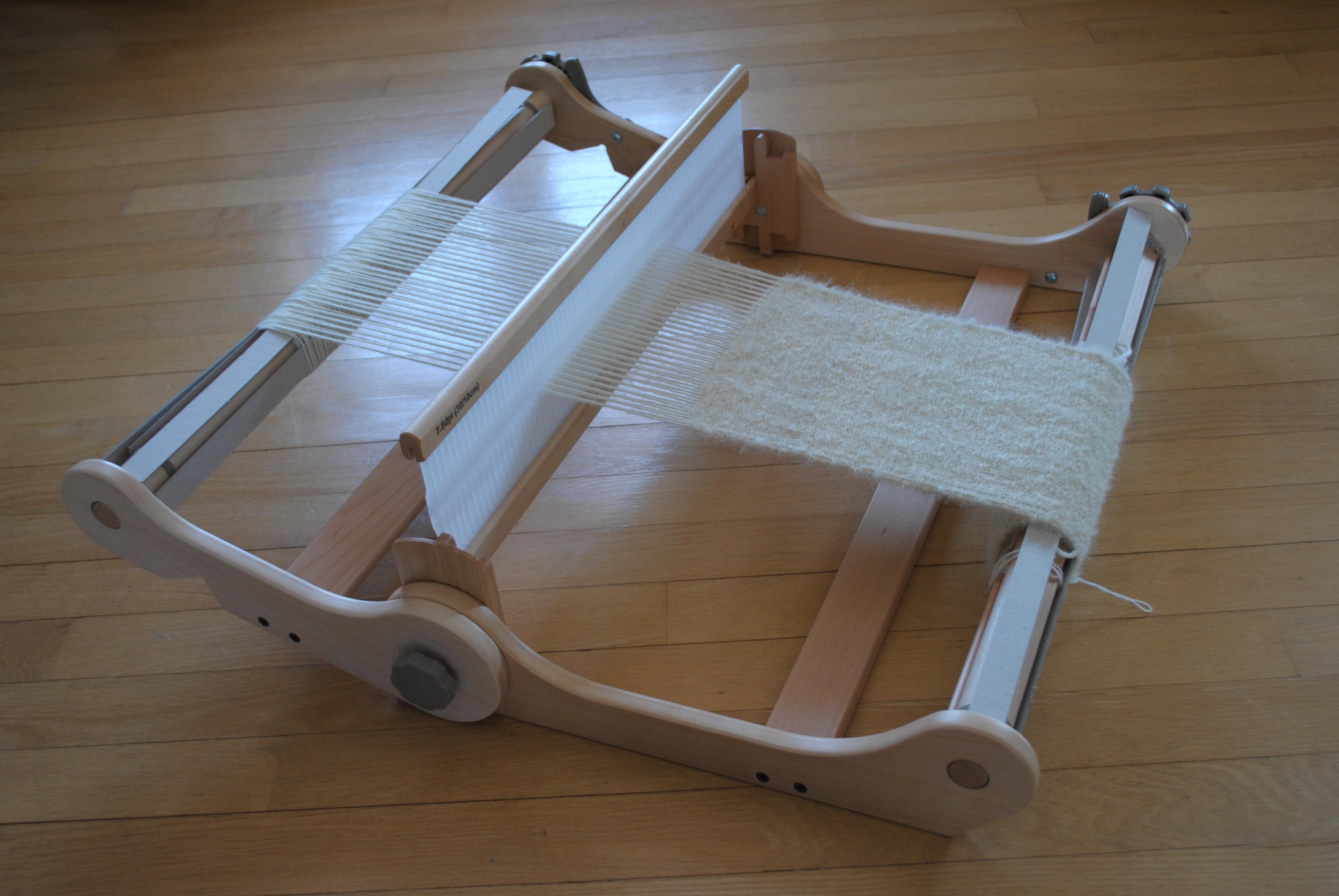 mon nouveau m tier tisser le gars qui tricote. Black Bedroom Furniture Sets. Home Design Ideas